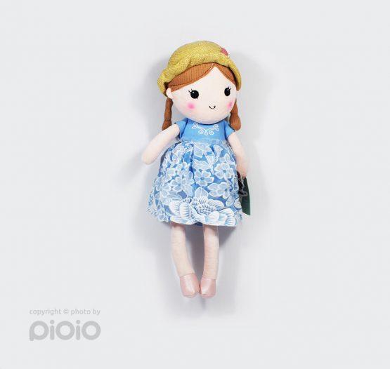 عروسک دختر انجل
