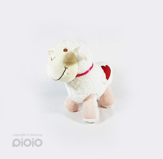 عروسک بره سفید پشمالو