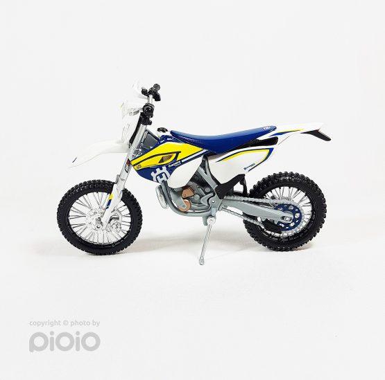ماکت موتورسیکلت Husqvarna FE 501