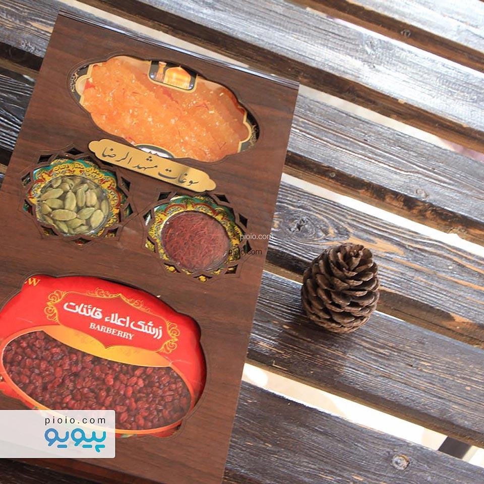 پکیج سوغات زرشک ، زعفران ، هل و نبات در بسته بندی چوبی