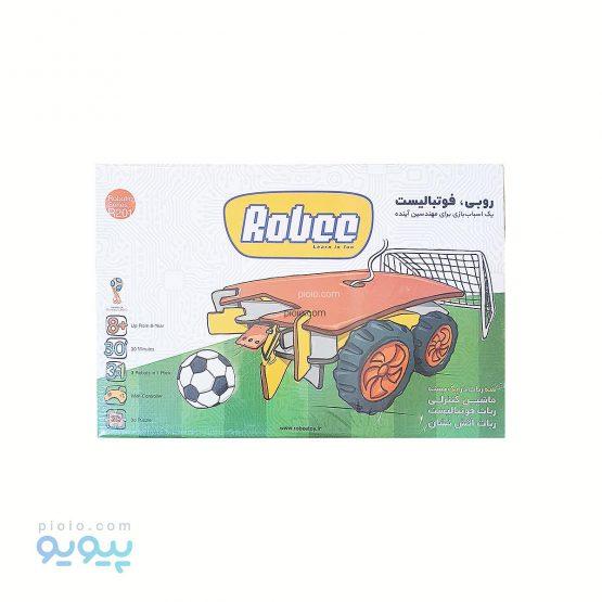 ربات فوتبالیست