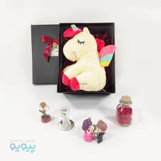 پک هدیه با عروسک یونی کورن