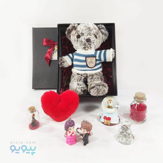 باکس هدیه با عروسک خرس لباس زمستونی
