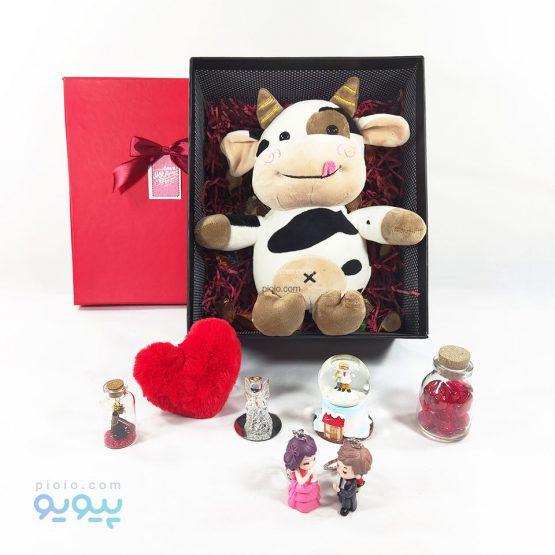 باکس هدیه تولد با عروسک گاو