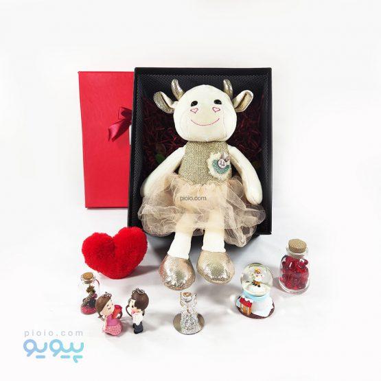 پک هدیه تولد با عروسک گاو