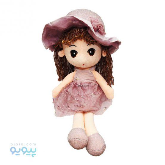 عروسک دختر با پیراهن مجلسی و کلاه لبه دار